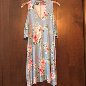 Nanamacs Boutique Cold shoulder floral dress sizeM